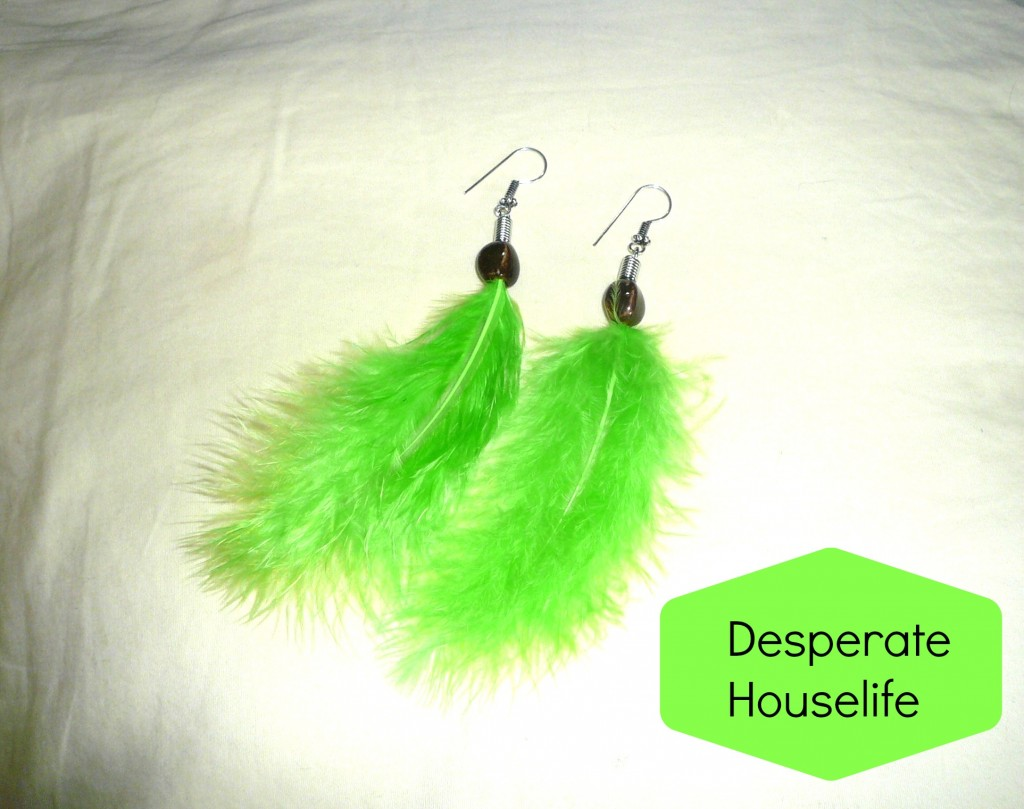 beaded feather earrings 1024x809 How to Make Beaded Feather Earrings {diy}